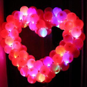 светящиеся гелиевые шары красиво