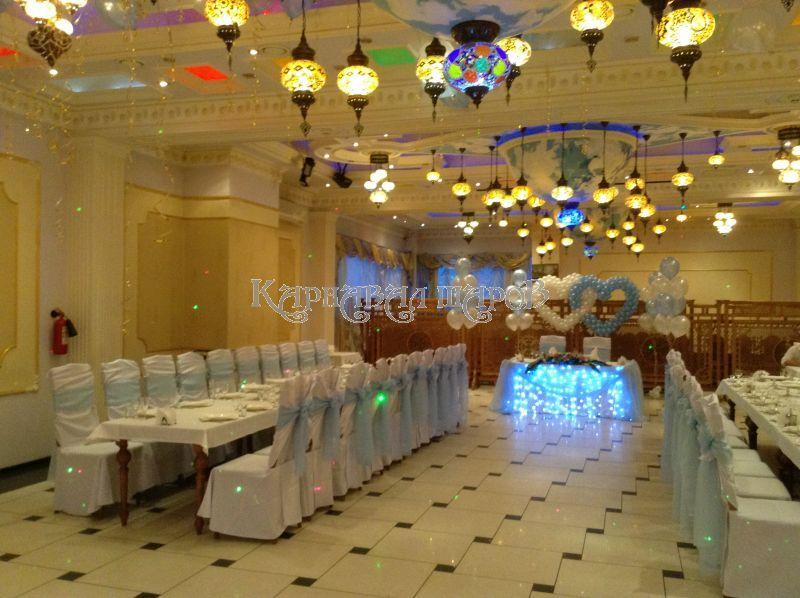 Украшение банкетного зала ресторана на свадьбу тканью недорого