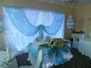 Драпировка свадебного стола цветами